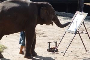 elefante-pintando-valor estetico como siendo objetivo