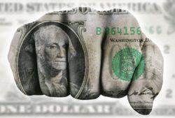 el-dolar-y-la-pistola
